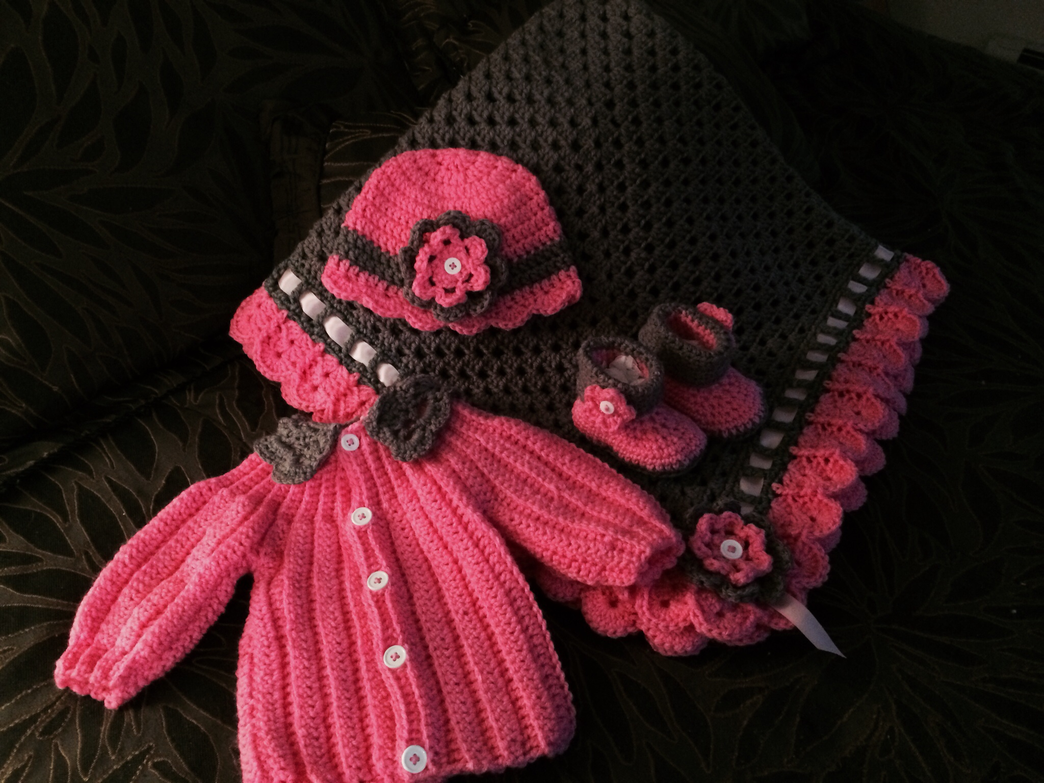 587004a086c1 Granny Square and Ribbon Baby Blanket Set